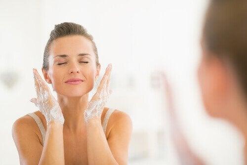 Mycie twarzy