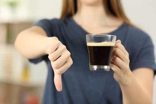 Nadmierne spożycie kawy - 5 wskazówek, jak je zatrzymać