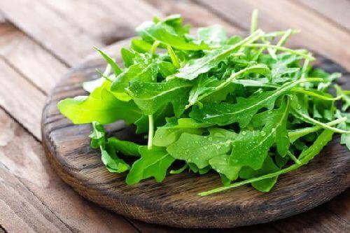 Niskokaloryczne produkty spożywcze, które należy uwzględnić w diecie