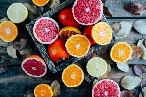 Owoce też zawierają cukier