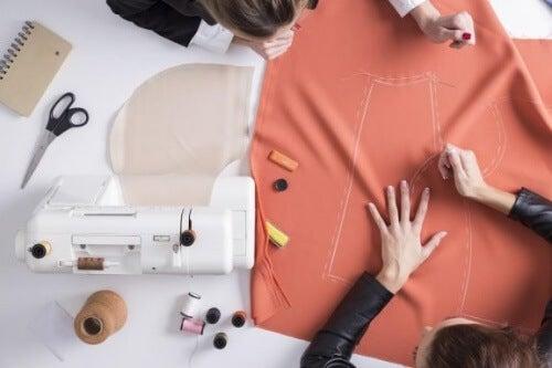 Stare tkaniny – wykorzystaj je kreatywnie!