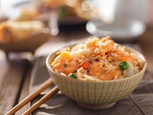 Smażony ryż - poznaj łatwy domowy przepis!