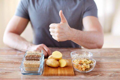 Szukaj w diecie źródeł węglowodanów złożonych.
