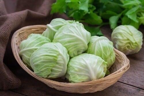 Warzywa kapustne to wspaniałe bazy do zup.