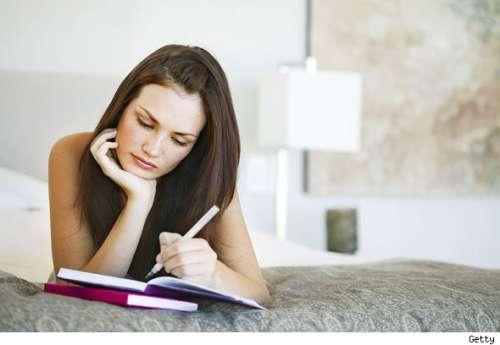 Załóż dziennik emocji i zapisuj swoje uczucia aby je dobrze poznać.