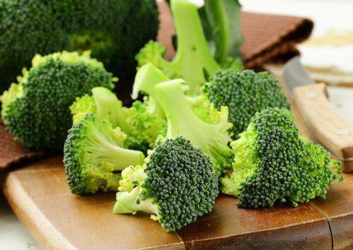 Brokuły komponują się świetnie z wieloma innym smakami.