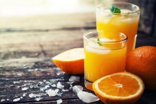 Działanie przeczyszczające pomarańczy opiera się o obecność flawonoidów.