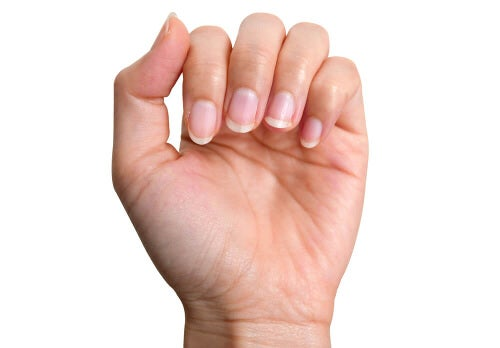 Aby paznokcie już nie były żółte.