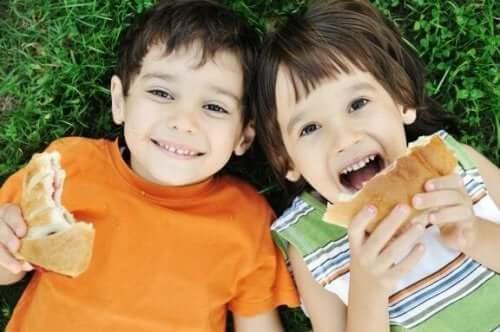 Błędy w żywieniu dzieci - co rodzice robią źle?