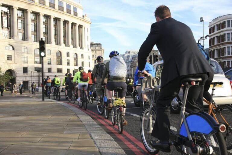Jazda na rowerze w ruchu ulicznym