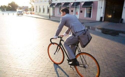 Jazda na rowerze do pracy zmniejsza stres