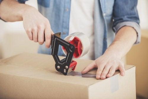 Przeprowadzka – dobre strategie sprzątania i układania