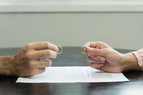 Traumatyczny rozwód - 7 wskazówek, jak go pokonać