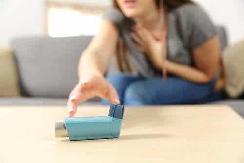 Ciężka postać astmy: objawy i leczenie