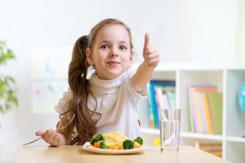 dieta dziecka - warzywa i woda