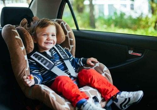 fotelik samochodowy dla dziecka 3