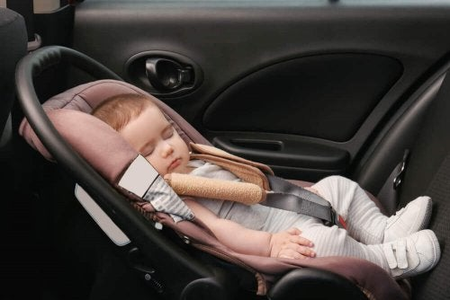 fotelik samochodowy dla dziecka sen