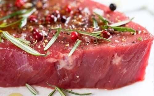 Marynowane mięso z ziołami
