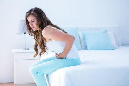 Skurcze menstruacyjne – wylecz za pomocą 5 naparów!
