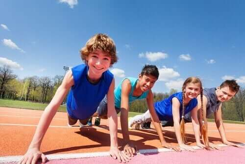 Dzieci ćwiczą - zbyt dużo zajęć