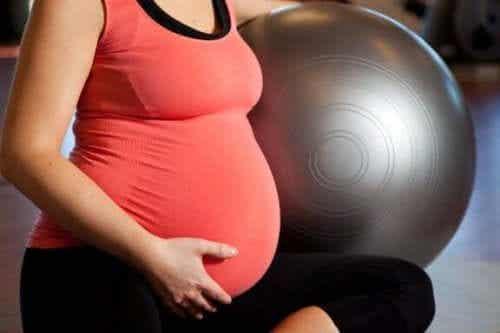 Ćwiczenia fizyczne w ciąży - 4 proste sposoby na ich wykonanie