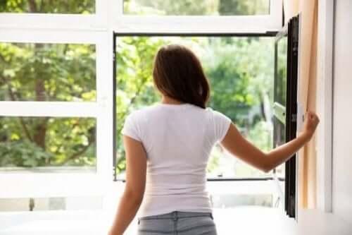 Oczyszczanie powietrza w Twoim domu - 7 sposobów