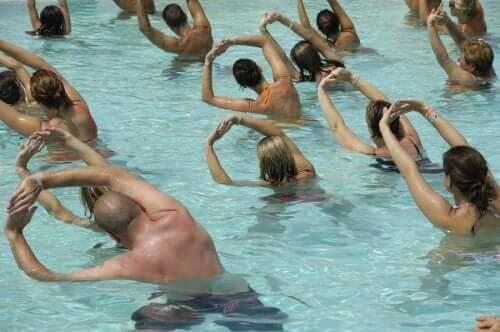 Ćwiczenia fizyczne w ciąży w wodzie