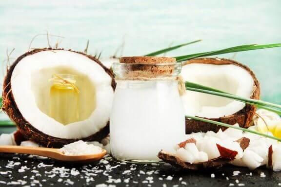 Ocet kokosowy: główne zastosowania i korzyści