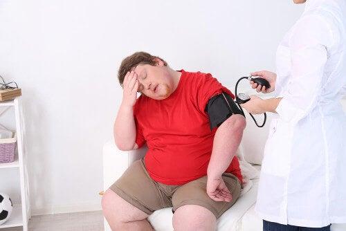Wyczerpanie od upału u osoby otyłej