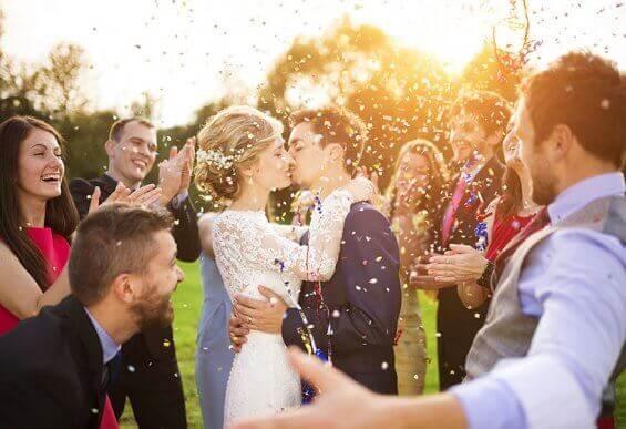 Druhna lub drużba na ślubie – jakie są ich obowiązki?