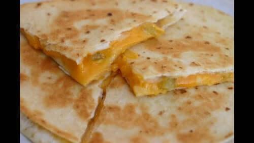 Grillowana quesadilla z mango to wegetariańskie przekąski
