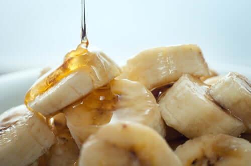 Najlepsze maseczki z bananem i miodem