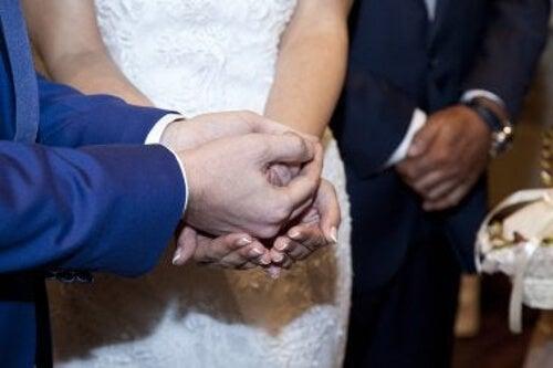 Przekazanie arras w ceremonii ślubnej