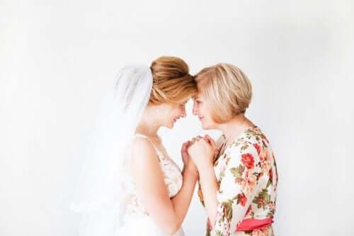 Mamy pary młodej – 6 wskazówek, w co powinny ubrać się na ślub