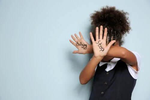 Nękanie wśród dzieci: jego ofiarą może paść każdy!