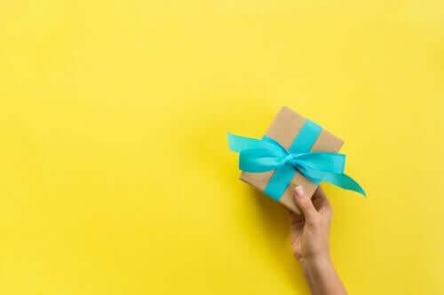 Trzy pudełka na prezenty, które możesz zrobić własnoręcznie w domu