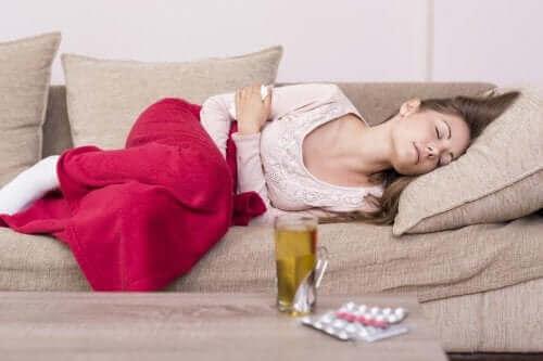 Skurcze menstruacyjne: poznaj naturalne środki na ich złagodzenie