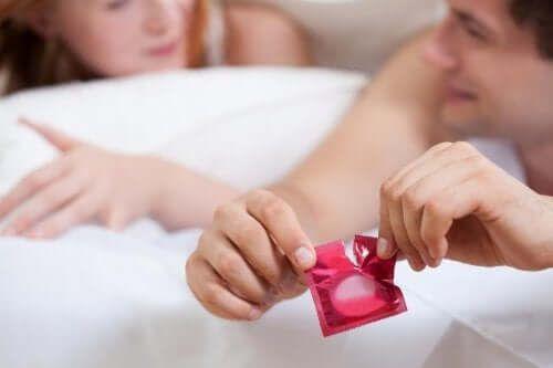 Używanie prezerwatywy