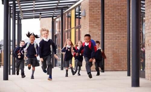 Wybór najlepszej szkoły dla dziecka - co Ci może pomóc w podjęciu tej decyzji?