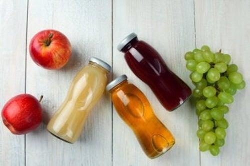 Słodkie napoje i owoce