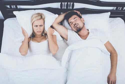 Bezdech senny - poznaj nawyki, które pomogą Ci w radzeniu sobie z nim