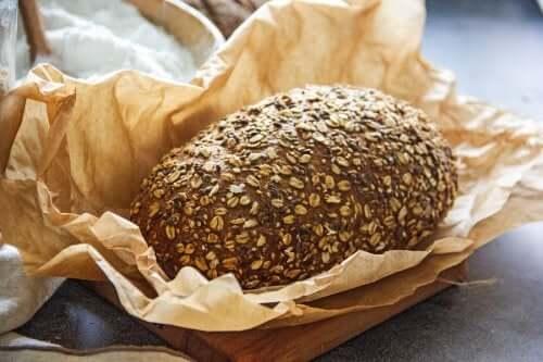 Chleb niskowęglowodanowy – poznaj dwa zdrowe przepisy!