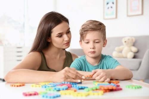 Dzieci z autyzmem: poznaj 4 ważne dla nich ćwiczenia