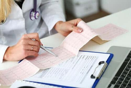 Badanie elektrokardiogramem