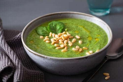 Kremowa zupa z jarmużu