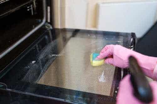 Metody czyszczenia piekarnika: pięć wskazówek, które musisz wypróbować