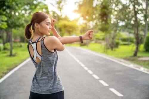 Wzmacnianie mięśni czy rozciąganie – co lepsze?