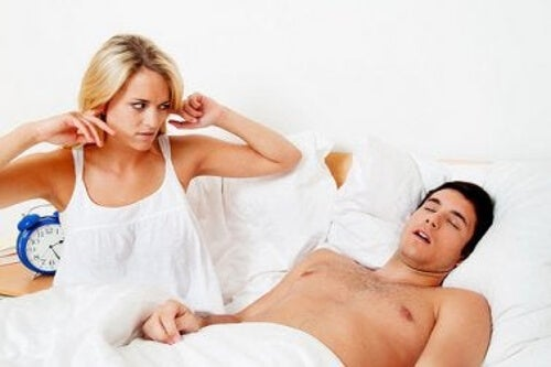 Bezdech senny powoduje chrapanie