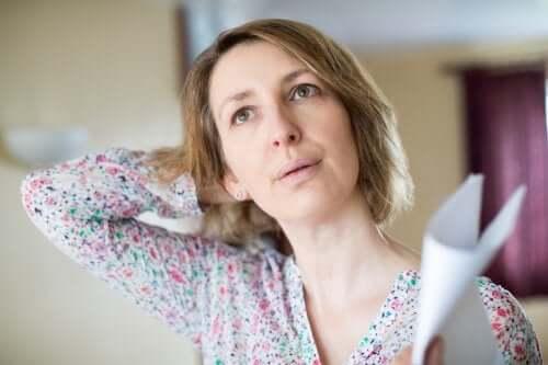 Uderzenia gorąca w okresie menopauzy: co możesz wtedy zrobić?