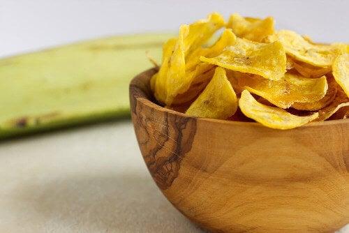 Zdrowe przekąski z chipsów warzywnych